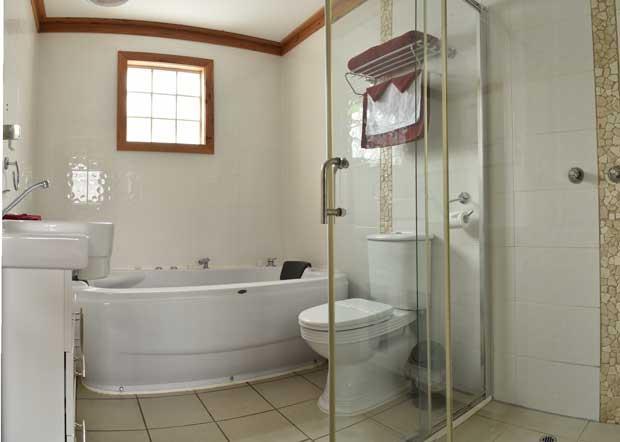 The Honeymoon Suite + Double Spa