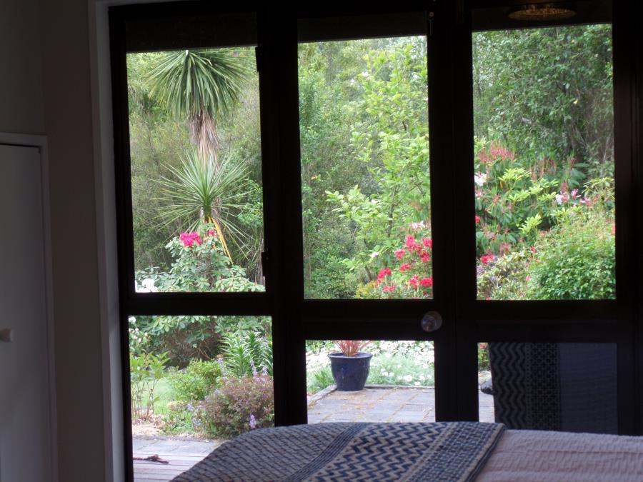 Queen Suite in Garden Setting