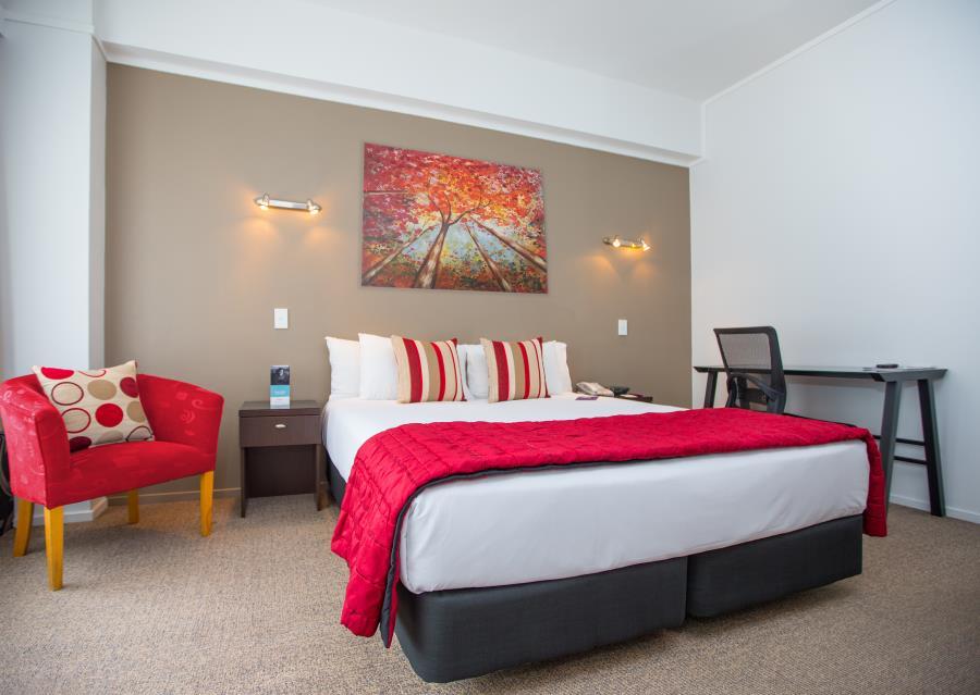 Standard Queen Room Bed and Breakfast