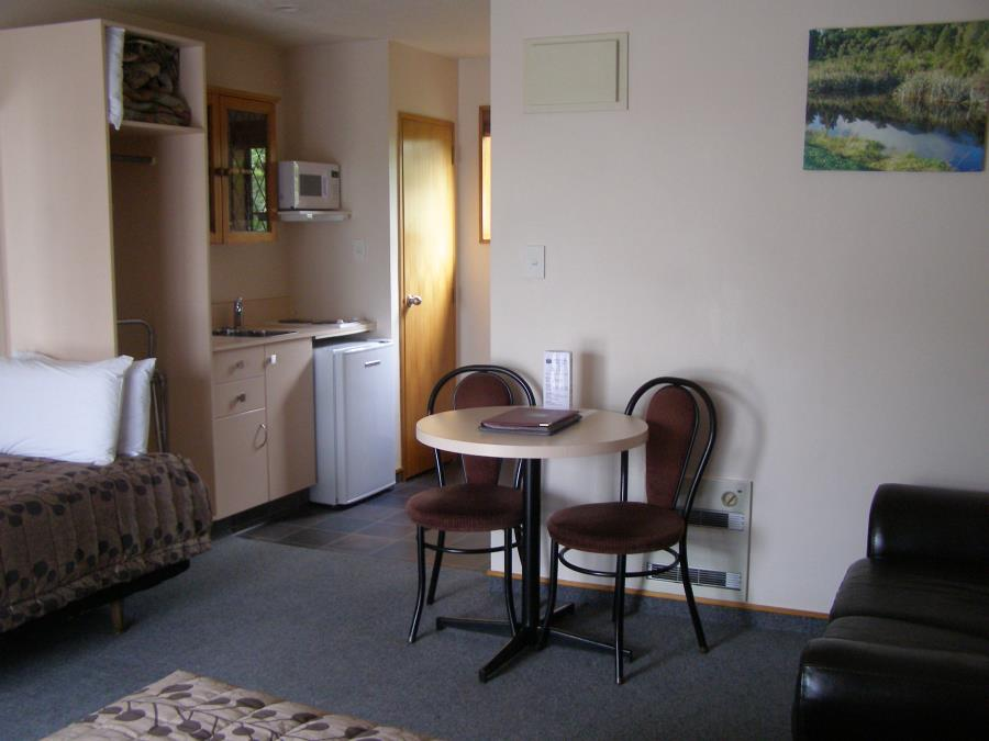 Studio spa kitchen