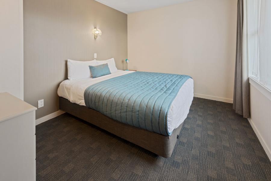 Two Bedroom (2 Queen)