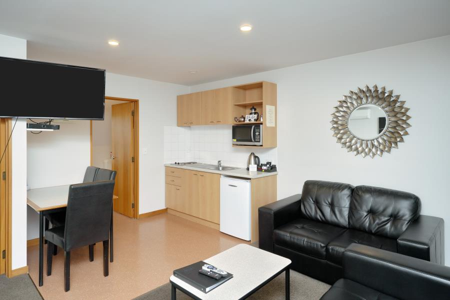 One Bedroom Apartment with Spa Bath