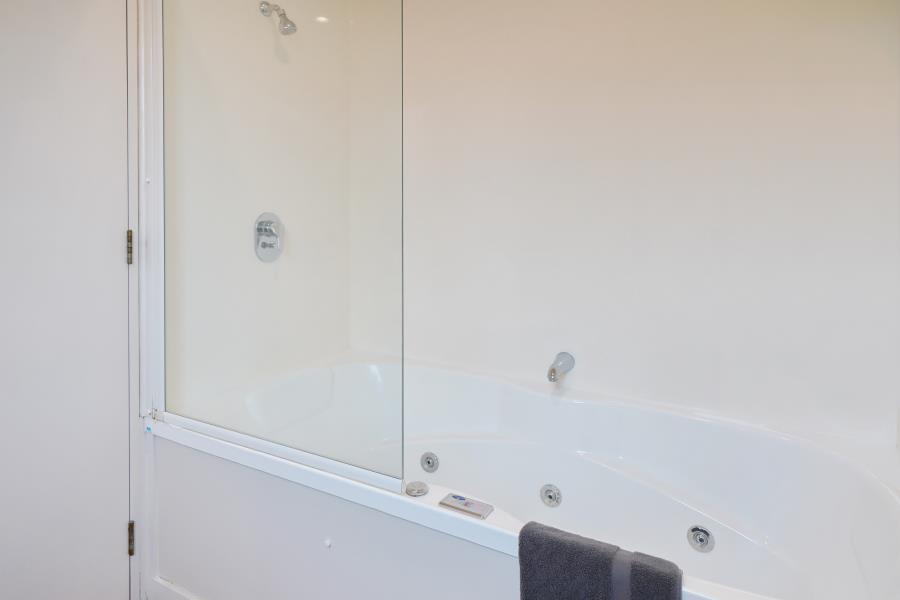 Studio Apartment with Spa Bath