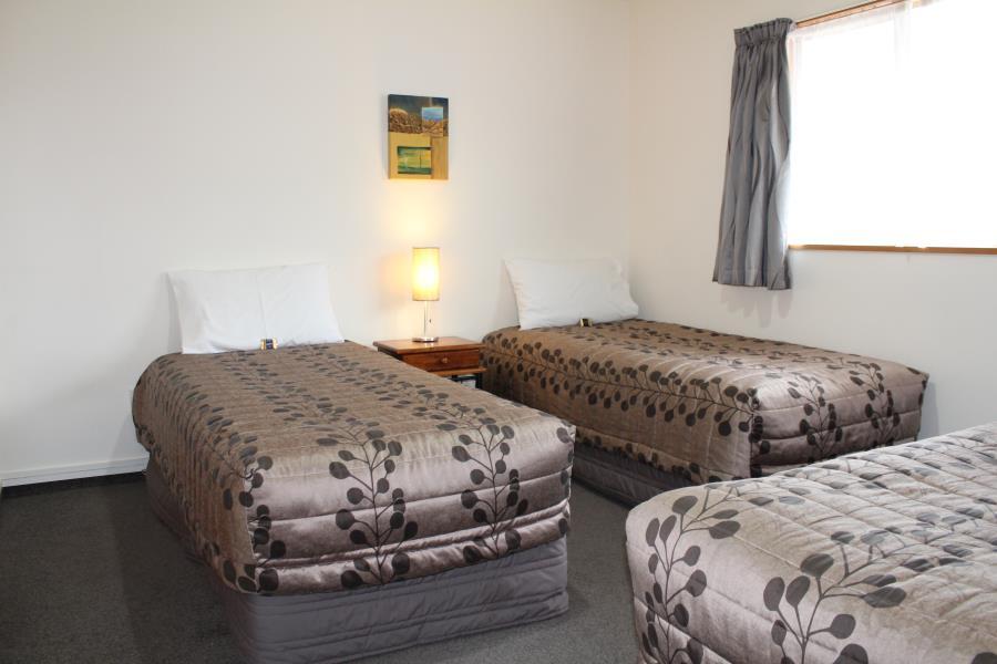 Unit 6 bedroom- 3 singles