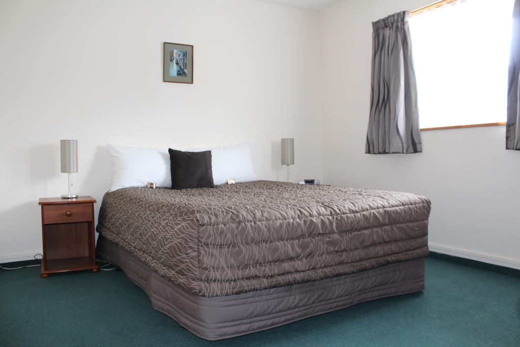 Unit 7- Queen bed