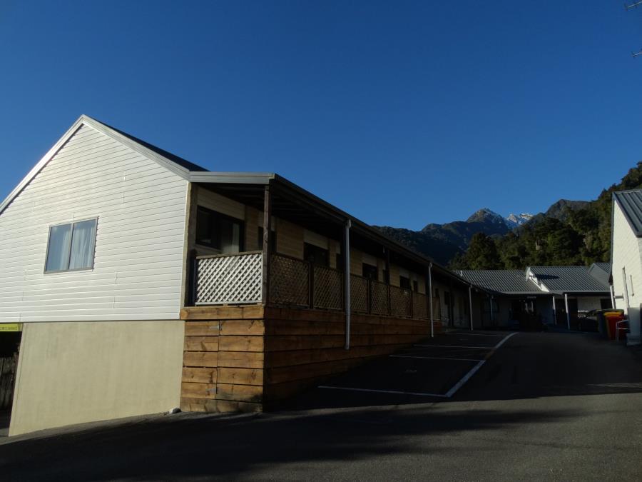 outdoor view of king studios