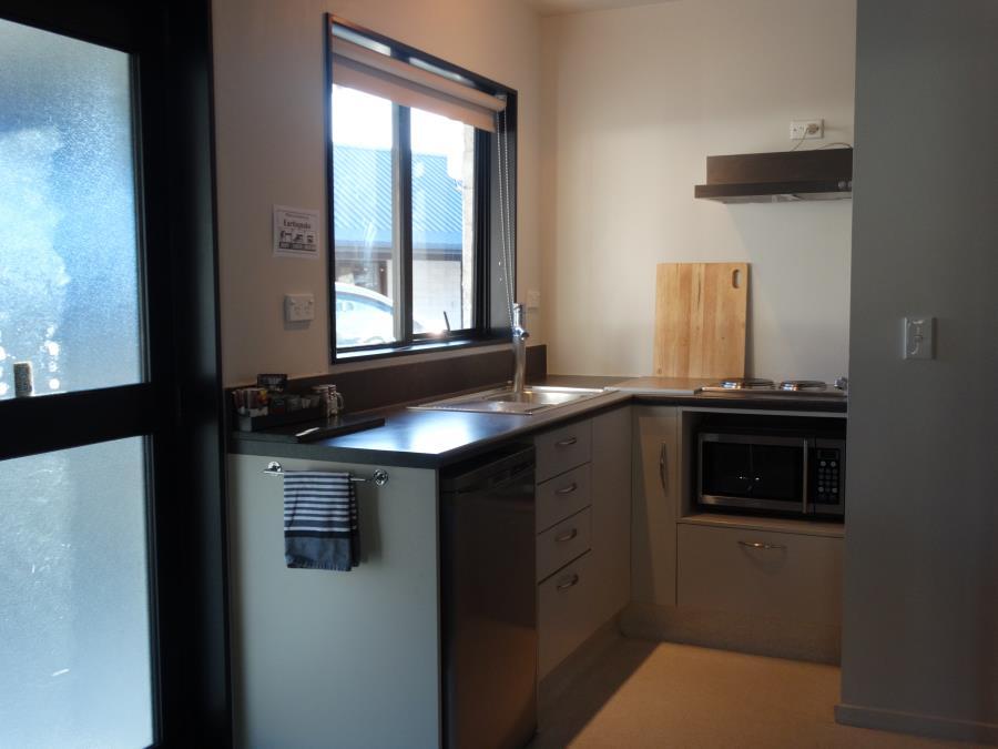 2 bedroom apartment kitchenette