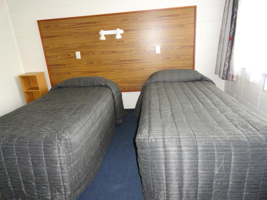 Opt1: 2 Singles in Bedroom