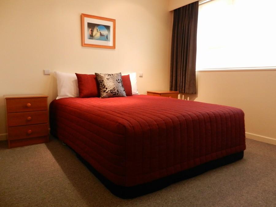 3rd Bedroom (1 x Queen Bed)