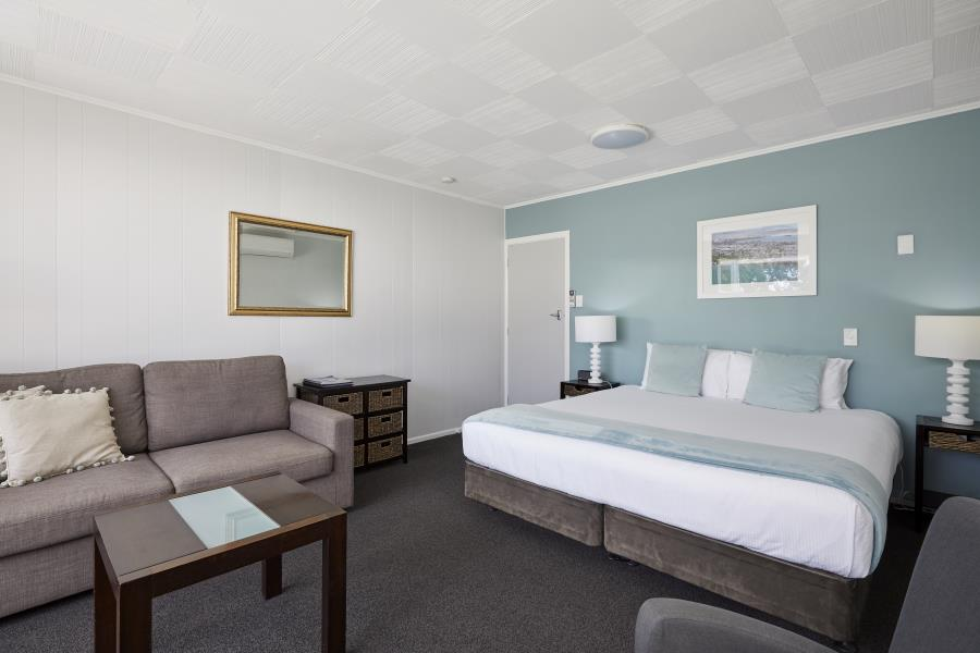 Main with King size bed