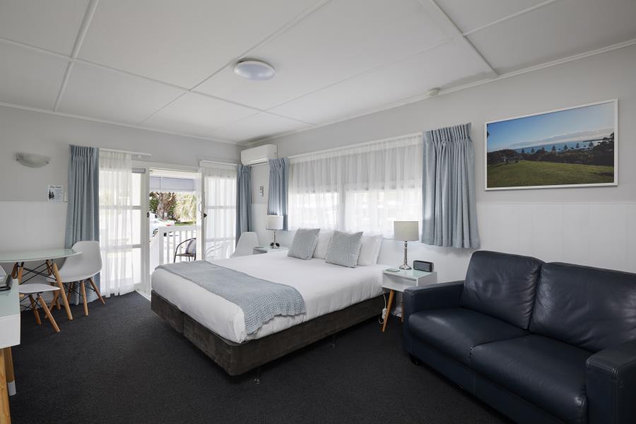 Super king bed - lounge
