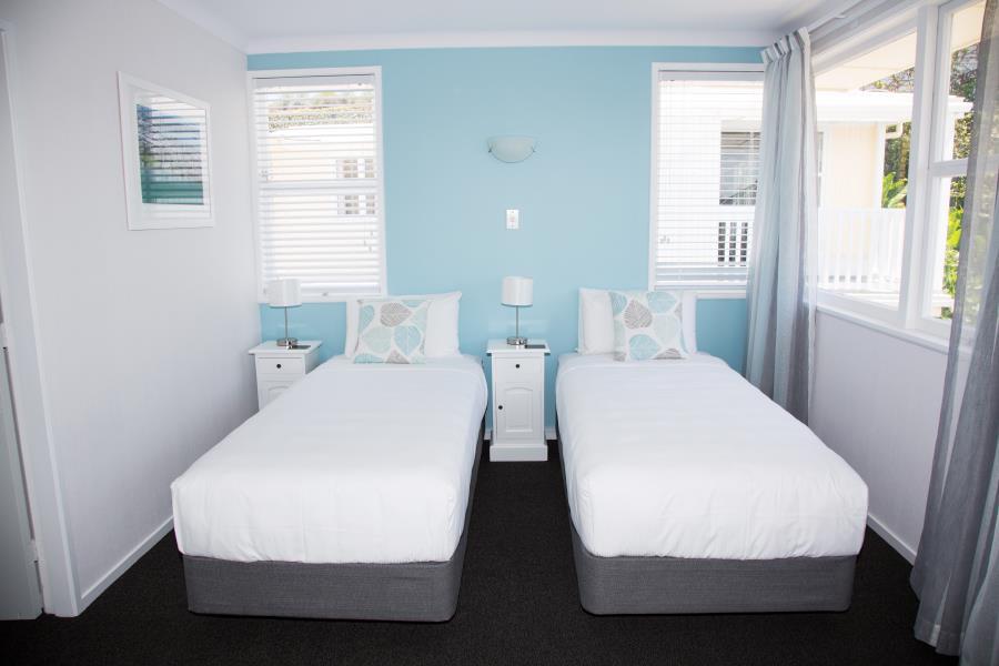 Split King bed in main