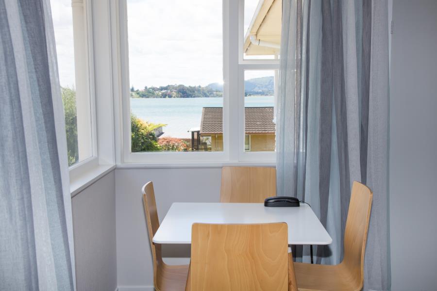 dining overlooking inner harbour
